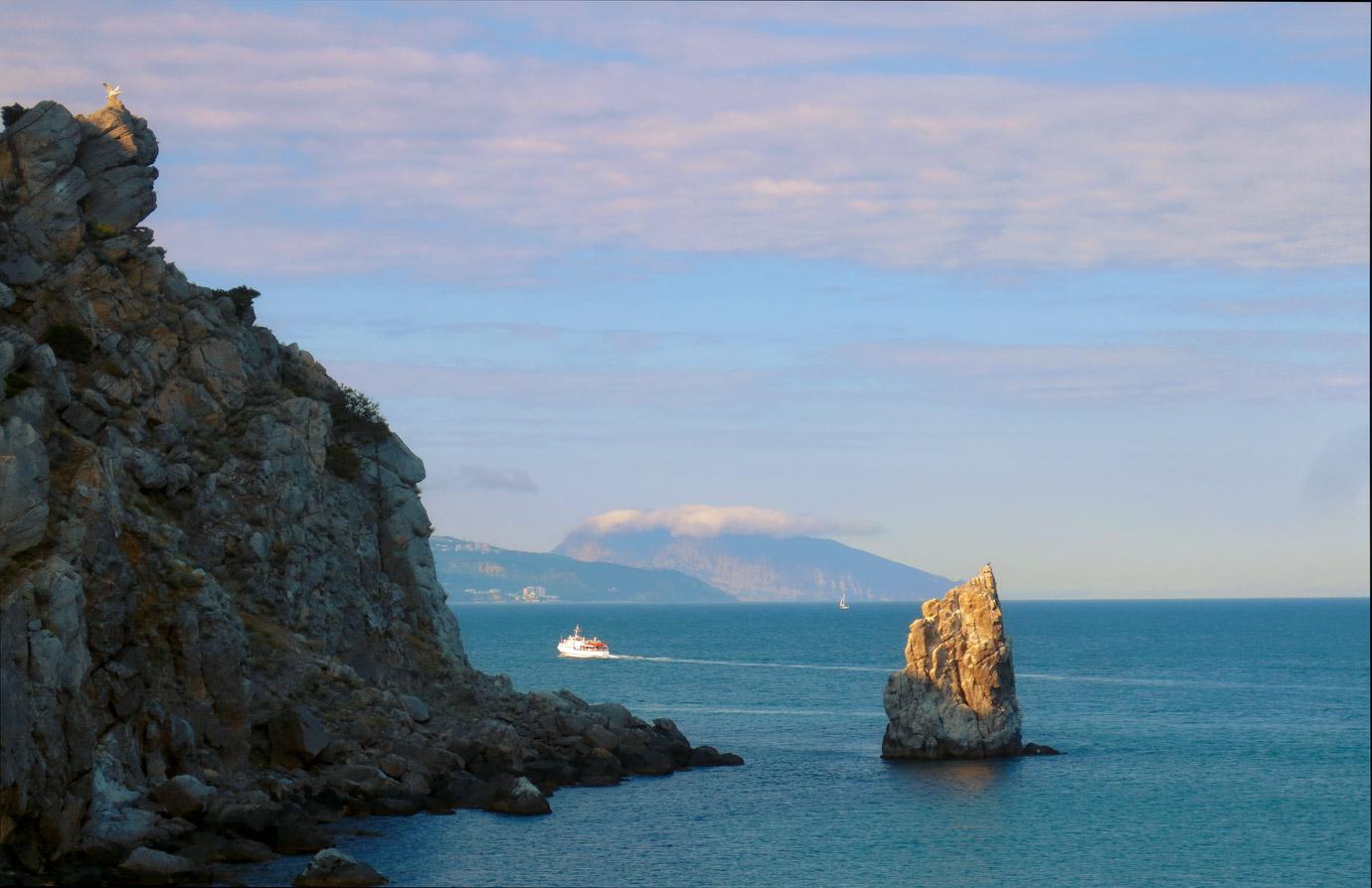 Скала Парус, Медведь гора, Аю-Даг, Ялта, Крым
