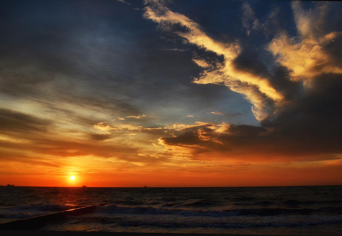 """"""" О, облака Балтики летом! Лучше вас в мире этом я не видел пока."""" И.Бродский"""