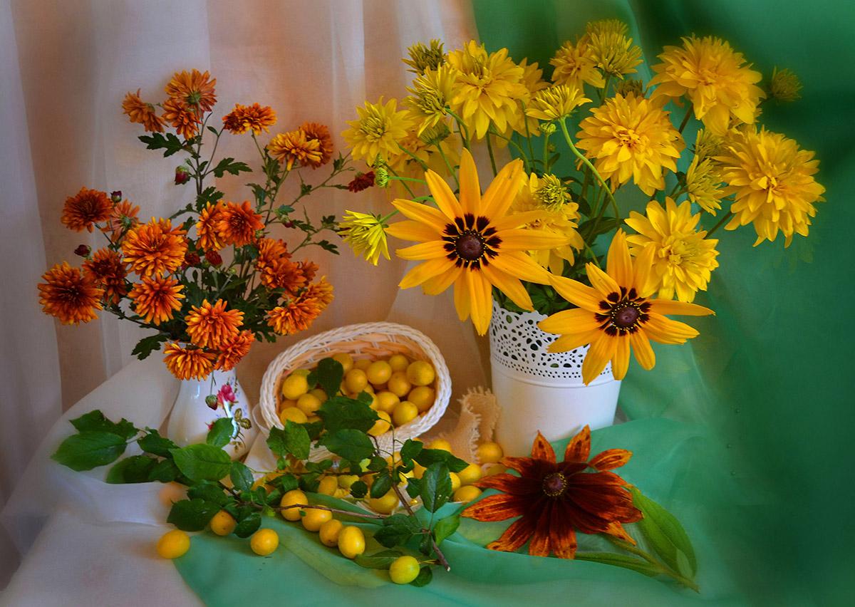 Натюрморт ,цветы,алыча