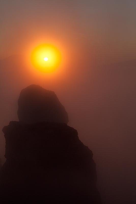 Это закат через облака. Завершающая карточка из похода на Демерджи. Постепенно буду показывать остальные.