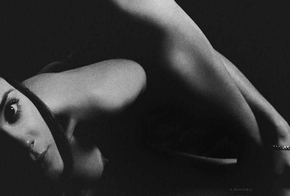 Portrait. Body geometry configuration. Studio A. Krivitsky.