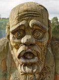 Деревянный парень сфотан в Столице. Он так и остолбинел, когда увидел, что его фотографируют! :)