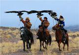 Казахстанский фестиваль беркутчи (охота с ловчими птицами - казахский национальный вид спорта), прошедший в минувшую субботу на перевале Кок-пек. 200 км на восток от Алма-Аты по Кульджинской трассе.