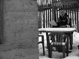 Кол-баски! Кол-баски! – хрипло попросила ворона.Все уехали в город. Летучие мыши осмелели и носились от чердака к чердаку, зловеще слепые, бесшумные, как пепел.А днем было пусто.Текст: Андрей КоченковФото: Аня СавинковаПолная версия текста: http://www.stihi.ru/poems/2007/12/24/1574.html