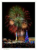 Поздравляю всех с наступающим Новым Годом и Рождеством Христовым!Желаю вдохновения и фейерверк сюжетов на ближайший год!Пусть Ваша гистограма не зашкаливает, а фокусное расстояние не уменьшается от количества выпитого шампанского! УРА!!!