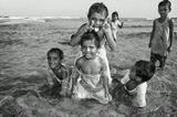 Семья из Шри Ланки на отдыхе в Кении