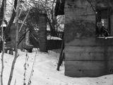 «Двенадцать!» – сказал я вслух и налил себе еще пива.Ночь стояла чудная. Туман рассеивал неяркий свет редких фонарей, дневная усталость мира постепенно растворялась в прохладном покое.Было начало августа. Вот как...Текст: Андрей КоченковФото: Аня СавинковаПолная версия текста: http://www.stihi.ru/poems/2007/12/09/3074.html