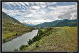 HDR, Верхняя Катунь, за перевалом Чике-Таман. Горный Алтай. Красивый пейзаж.