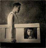 неосуществимость...заглянуть в детство