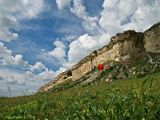 Высота скалы более 100 метров
