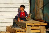 В первый раз кота вешаю - в хорошем, конечно, смысле слова. Кстати, он родился от домашней кошки и дикого камышового кота. А пацан - сын егеря, обоих снял рано утром на кордоне Кольбастау в природном парке Алтын-Эмель (Казахстан), где довелось заночевать.