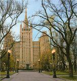Здесь, в этом доме и на территории вокруг него снимался одноименный хит советского кино почти уже 30 лет назад.