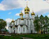 Монастырь предположительно основан в 1348 году Дмитрием Прилуцким, учеником преподобного Сергия Радонежского... Год назад я выставлял эту работу. Теперь решил повторить. Особенность этого храма, что он светится изнутри...