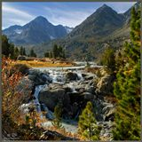 """""""Дарашколь"""" в переводе означает """"Красивое озеро"""". Собственно само озеро расположено за небольшим мысом на среднем плане (виден его кусочек). Если кто-то пожелает воочию убедиться в его красоте - добро пожаловать на http://pohodnik.info"""