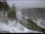 Игорь Глушко на фото http://www.lensart.ru/picture-pid-19d1a.htm указал фрагмент в северной части, что и изображено на снимке. Это не часть панорамы, а отдельное фото, органично входящее в общий поток многочисленных снимков о первых снегопадах, идущих по всей нашей стране и   любимиму нами ближнему зарубежью. Как и ранее, лучше смотрится через F11. Приятного...!!!
