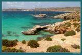 Средиземное море. Мальта. Остров Комино. Fuji S7000. Не кидайте камнями за горизонт - так загибается береговая линия.