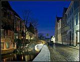 Когда попадаешь в город Брюге, теряется дар речи... Это средневековый городок,который только что сошел с гравюр и картин фламандских живописцев...
