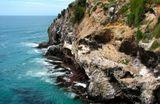 Вход в бухту Отаго (Новая Зеландия) это место издревле используется народом Маори для предсказания погоды. Точность прогнозов и сегодня выше чем у метеоцентра.