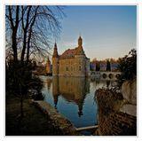 Бельгия, провинция Льеж, замок 16-го века Jehay.