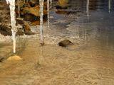 Берег реки + корка снега = сталактитово-сталагмитовая пещера :-)
