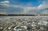 Вид на Петропавловскую крепость. 20 апреля 2009 г.Вода Лёд Ледоход Нева Санкт-Петербург Весна
