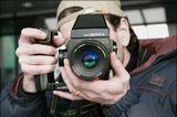 Дмитрий Азархhttp://www.lensart.ru/gallery-uid-c94.htmокончательно перешёл на плёночный средний формат:)Димарик!с Днём Варенья!!!