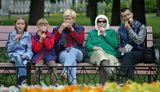 Александровский сад... снято через цветочную клумбу...