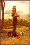 ..Пушистые облака поднимут тебя наверняка, ты ведь сам легкий такой, в тебе не больше дюжины голубей, в тебе не меньше дружины богатырей, улетай скорей...(Д.П.)