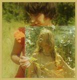 Непохожая на сны, Непохожая на бред, Удивительна, как цвет Первой радуги весны. Необычная как чушь, Очевидная как ложь, Ты по улице идешь, Отражаясь в грязи луж...(Веня Дркин)