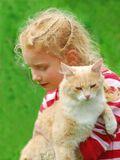 Они познакомились на хуторе...Кот посматривал на всех с презрением.Но эту рыжеволосую заприметил сразу и с удовольствием залез к ней на ручки.