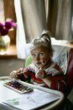 Когда ты усадил (с трудом) ребенка рисовать, и уже 15 минут, как тихо, это вовсе не значит, что ребенок трудится над изображением слона на бумаге...