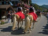 С парада на дне города Rottach-Egern на озере Тегернзее