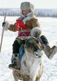 Юный победитель гонок на оленях традиционного слета оленеводов в Якутии. 2008 год, апрель.мальчик, гонки, олень, победитель