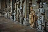 Древняя столица Нормандии, Руан (Rouen), является одним из красивейших городов Франции. Руан был одним из крупнейших и процветающих городов средневековой Европы. Город являлся одной из столиц могущественной англо-нормандской династии, которые правили одновременно Англией и большими частями современной Франции с XI по XV столетия. В Руане судили и сожгли Жанну Д'Арк.