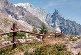 Монблан с итальянской стороны, т.е. Монте Бьянко :) Первая остановка фуникулера и самый высокий альпийский ботанический садик.