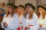 В Швеции уже начинали отмечать Рождество. День Святой Люсии — один из самых светлых и радостных: 12 декабря, когда ночи становятся все длиннее, празднуют День Света !