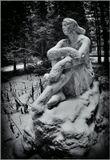 Пигмалион был царем острова Кипр, сын Бела и Анхинои. Влюбившись в Афродиту, он высек из слоновой кости её статую и обратился к богине с мольбой вдохнуть в холодное изваяние жизнь. Тронутая такой любовью, Афродита оживила статую, которая стала женой Пигмалиона.  Ленинградская область, заброшенная база отдыха близ посёлка Телези, декабрь 2009 года.