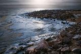 зима пейзаж природа берег закат лёд камень