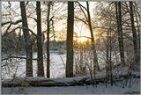 """Вечер морозного солнечного дня, озеро Чёрное, неподалёку от базы отдыха и туризма """"Ветлуга"""""""