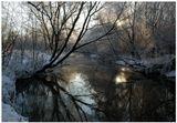 речка решила не замерзать и в -28....интересно...из чего она сделана, если не из воды))))))