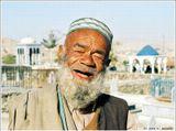 Снимок сделан на городском кладбище Кабула.