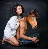 ... Я люблю свою лошадку, расчешу ей шерстку гладко..