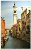 """Знаменитая наклонная колокольня, о.Мурано (известный своим """"муранским"""" стеклом), Венеция."""