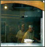 При попытке запечатлеть колдовской момент открытия печи с багетами нас с фотиком прогнали из булочной как шпионов :(ещё одна хлебная карточка, в компанию к http://www.lensart.ru/album-uid-1aa1-aid-419c-sh-1.htm