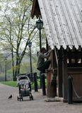 Коломенское, дети, юмор, детская коляска, домик Петра