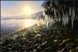 И Солнце лучиком ласкалоОскалы зимнего забрала...------------------------------Январь рассвет на берегу Байкала.