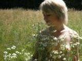 Лето,ромашки,грудь,поле