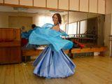 Восточная  сказка  Голубой всплеск Фото в зеркальном танцевальном зале День