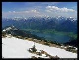 Продолжаю рассказывать свои сказки, которые начал в прошлый раз :) Опять земля Зальцкаммергут, гора Schafberg, подняться на нее можно с помощью уникальной железной дороги, которая поднимается на самую вершину по спец. путям. Внизу озеро Wolfgangsee, и город St. Wolfgang. Буквально в 40 км. находиться Зальцбург. Приятного просмотра!