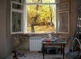 За окнами осень,  пора бы понять,Что нужно оставить, а что потерять...